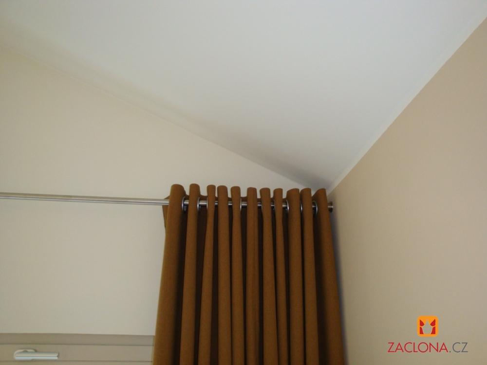 detail tyče a závěsu 2