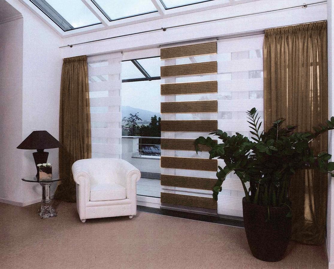 zebraraffrollo braun grau. Black Bedroom Furniture Sets. Home Design Ideas
