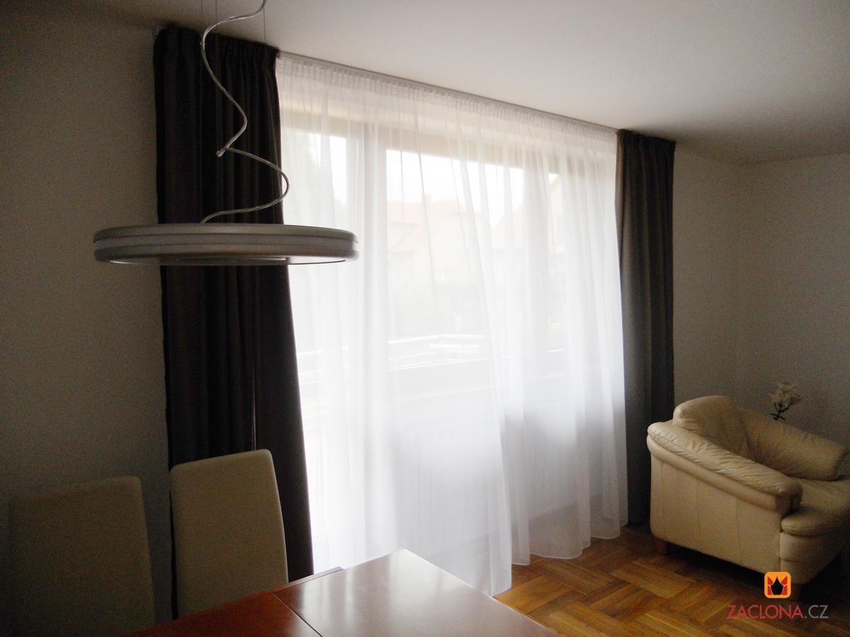 halbdurchsichtige gardine in zwei farben und formen. Black Bedroom Furniture Sets. Home Design Ideas