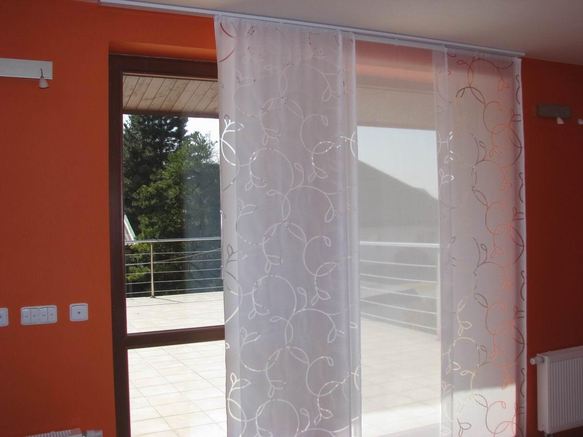 verbindung der japanischen wand und des raffrollos. Black Bedroom Furniture Sets. Home Design Ideas