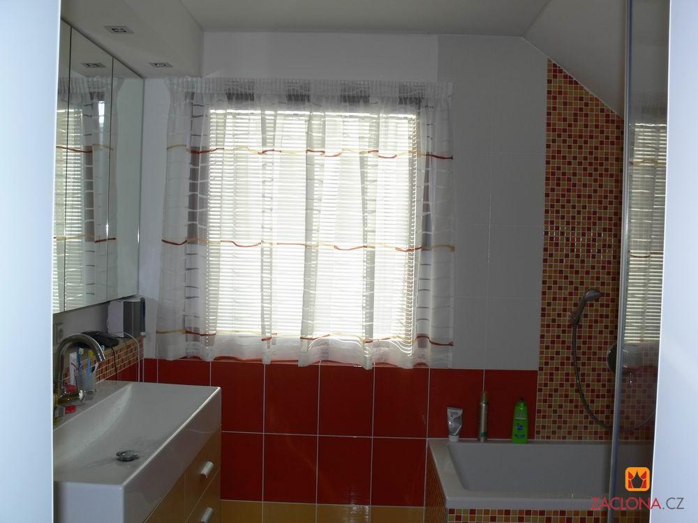 Die gardine f r das moderne badezimmer heimtex ideen for Ideen badezimmer gardinen
