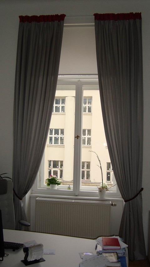vorh nge f r ein modernes b ro in einem historischen palast heimtex ideen. Black Bedroom Furniture Sets. Home Design Ideas