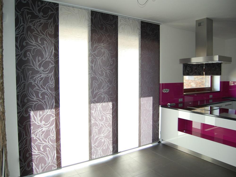 paneele und aufziehbare rollos aus einem sehr praktischen stoff heimtex ideen. Black Bedroom Furniture Sets. Home Design Ideas