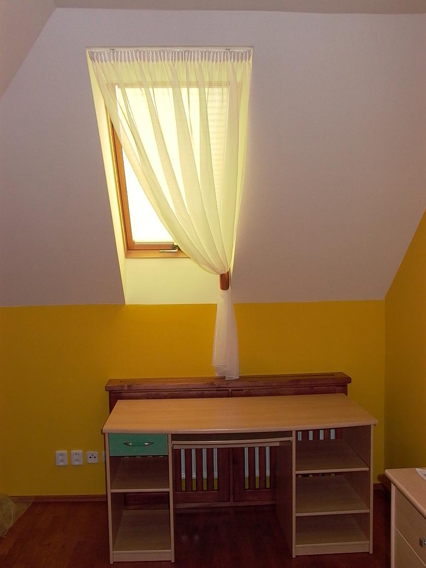 suchen sie eine inspiration f r ihr dachfenster hier ist sie heimtex ideen. Black Bedroom Furniture Sets. Home Design Ideas