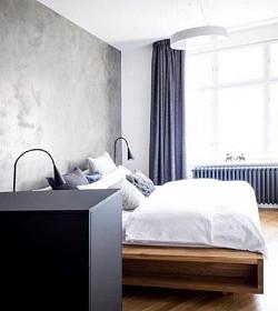 Luxusní dimout s ornamentálním vzorem v moderní ložnici
